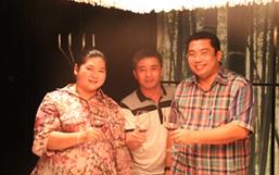 彭国飞副董事长与泰国文化部部长颂塔亚·昆本夫妇合影
